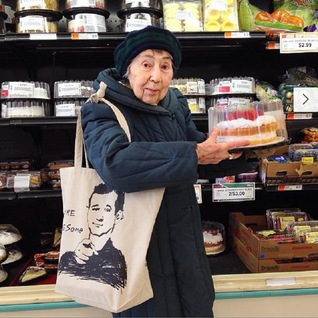 reina instagram 98 años