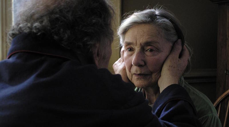 Fotograma de la película AMOR