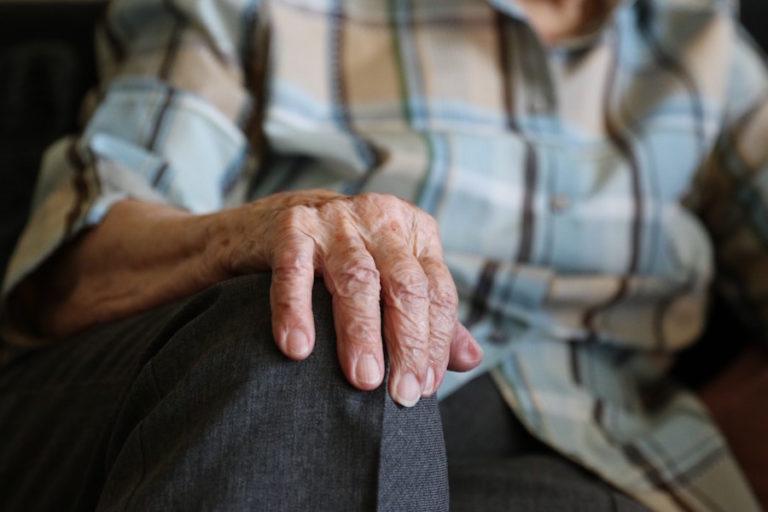 malos tratos personas mayores abuso maltrato