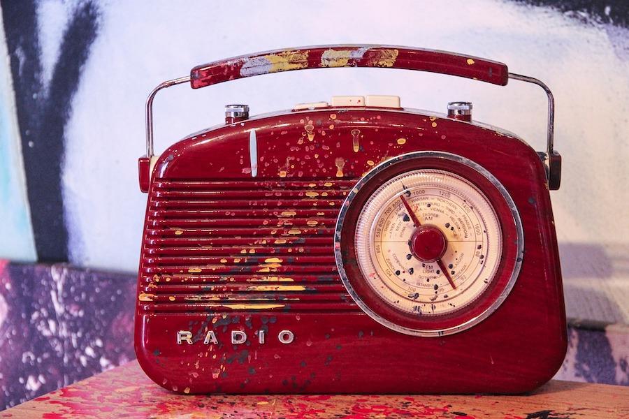 personas mayores coronavirus radio