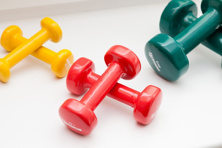 salud mancuernas pesas resistencia ejercicio salud