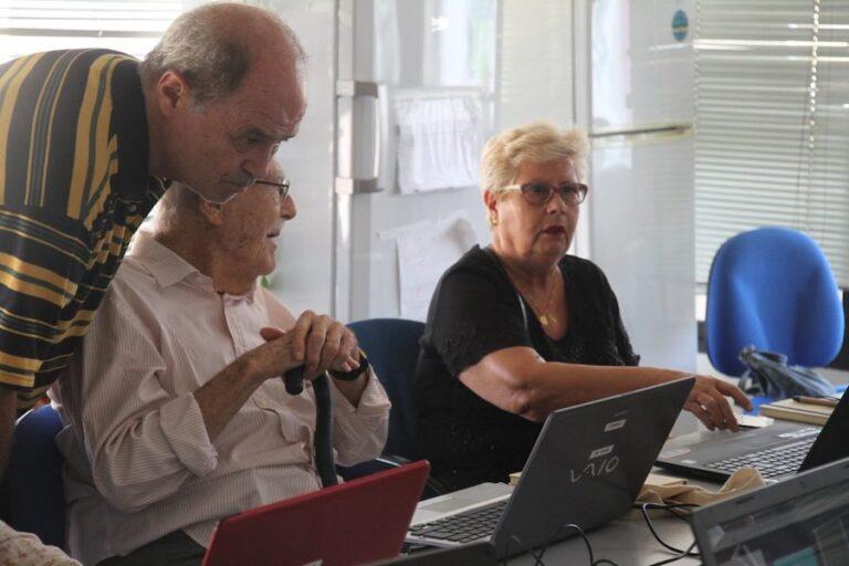 Tecnologías radio personas mayores